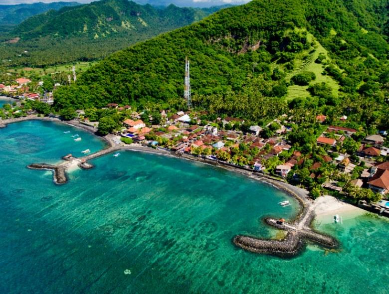 zátoka Candidasa Beach, Bali,