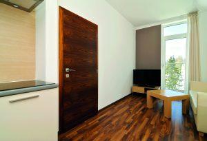 Výber interiérových dverí aokien zvládnete sprehľadom aj vy